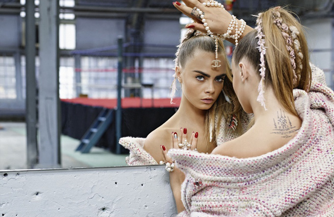 chanel-fall-winter-2014-ad-photos-cara-delevingne6.jpg
