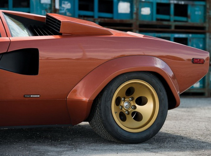 Original-1979-Lamborghini-Countach-for-Sale-640x_10.jpg