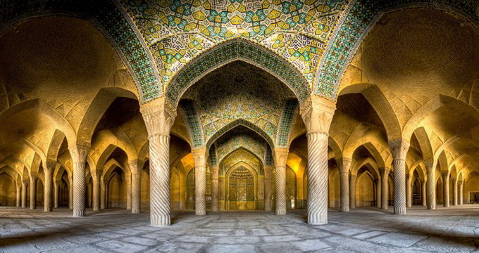 Incredible-and-Colorful-Mosque-1-640x627.jpg