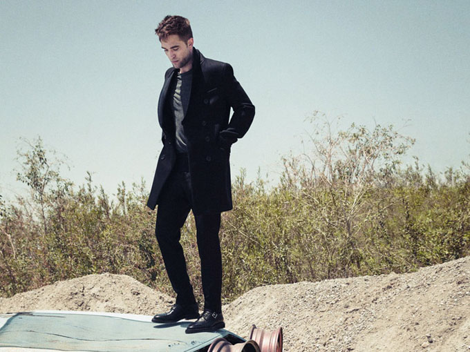 Robert-Pattinson-Esquire-UK-Simon-Emmett-03.jpg
