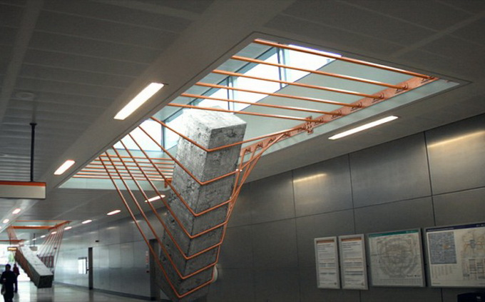 Elasticity-Installation-in-Dalston-Junction-Station1-640x_6.jpg