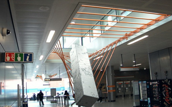 Elasticity-Installation-in-Dalston-Junction-Station1-640x_7.jpg