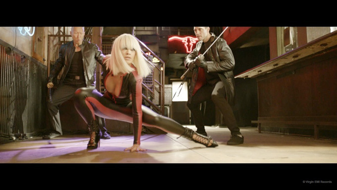 black-widow-music-video-iggy-azalea-rita-ora03.jpg