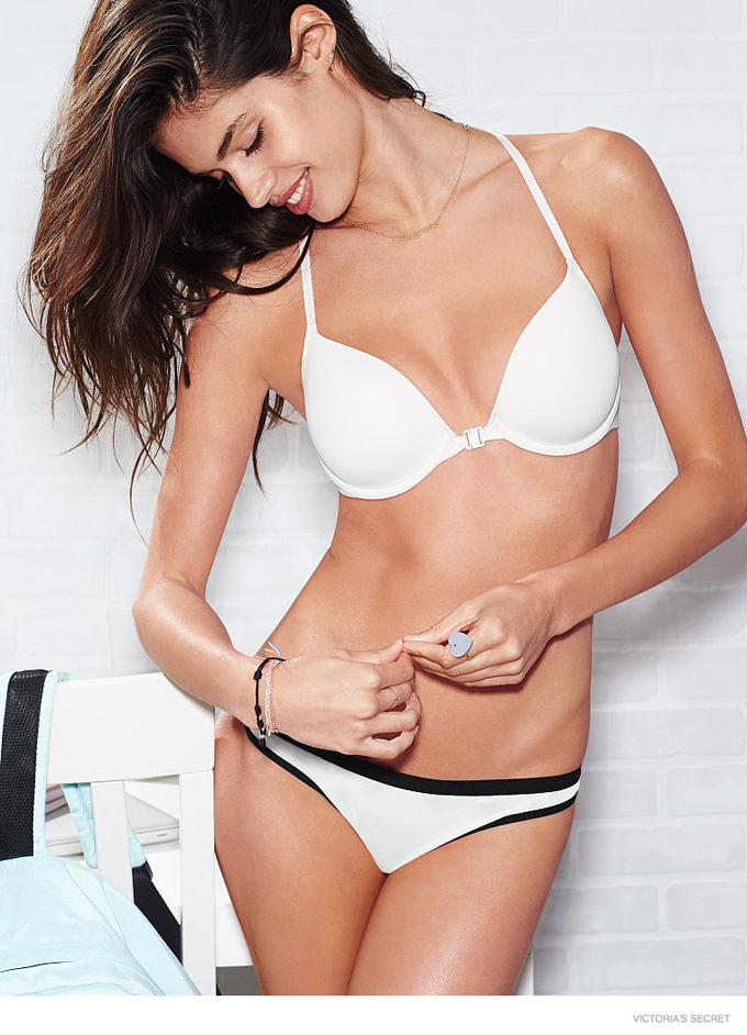 sara-sampaio-victorias-secret-pink-2014-02.jpg