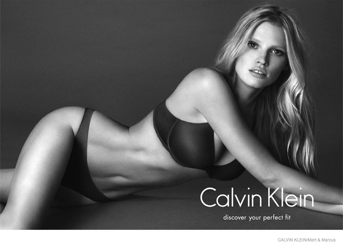 lara-stone-black-white-ck-ads-2014-01.jpg