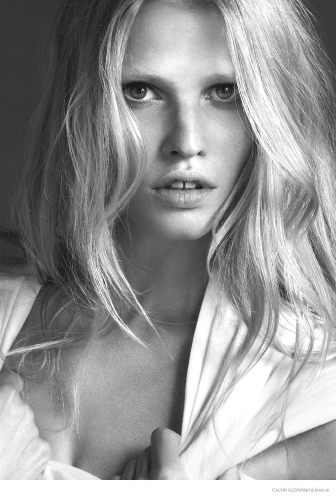 lara-stone-black-white-ck-ads-2014-03.jpg