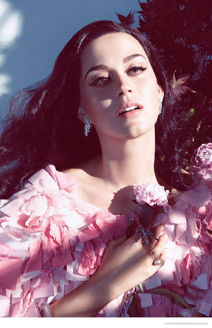 katy-perry-harpers-bazaar-2014-shoot03-774x1200.jpg