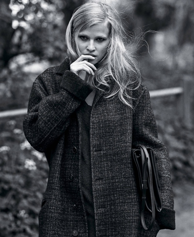 Lara-Stone-The-New-York-Times-T-Style-01.jpg