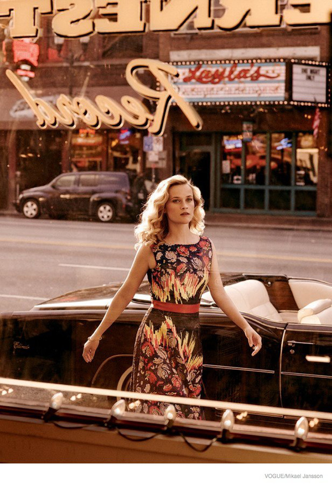 reese-witherspoon-vogue-october-2014-shoot04.jpg