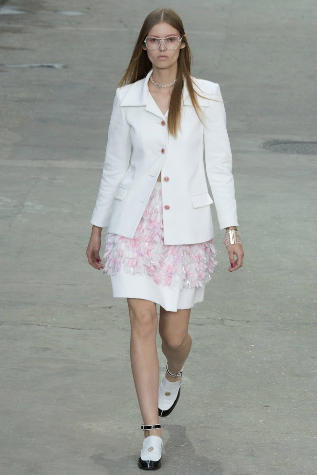 chanel-2015-spring-summer-runway40.jpg