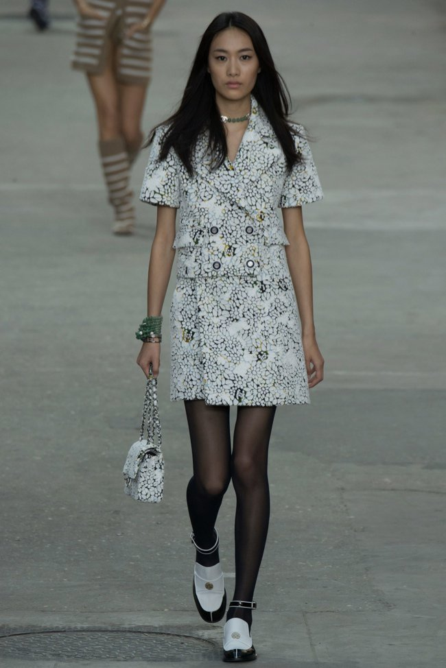 chanel-2015-spring-summer-runway42.jpg