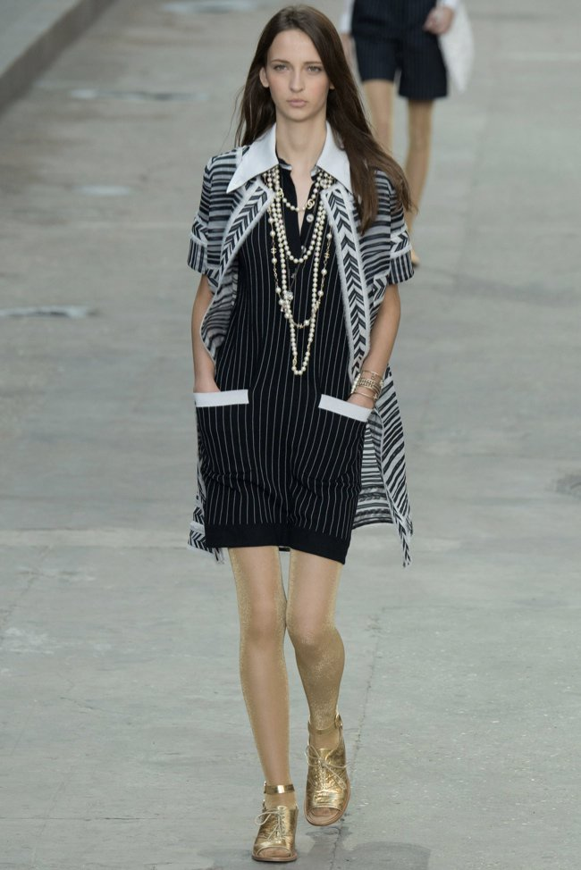 chanel-2015-spring-summer-runway52.jpg