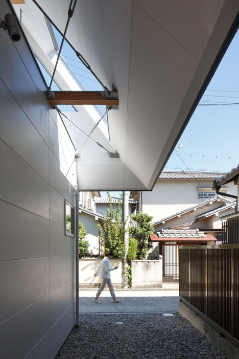 HouseAA-by-Moca-Architects_archiscene_468_5.jpg