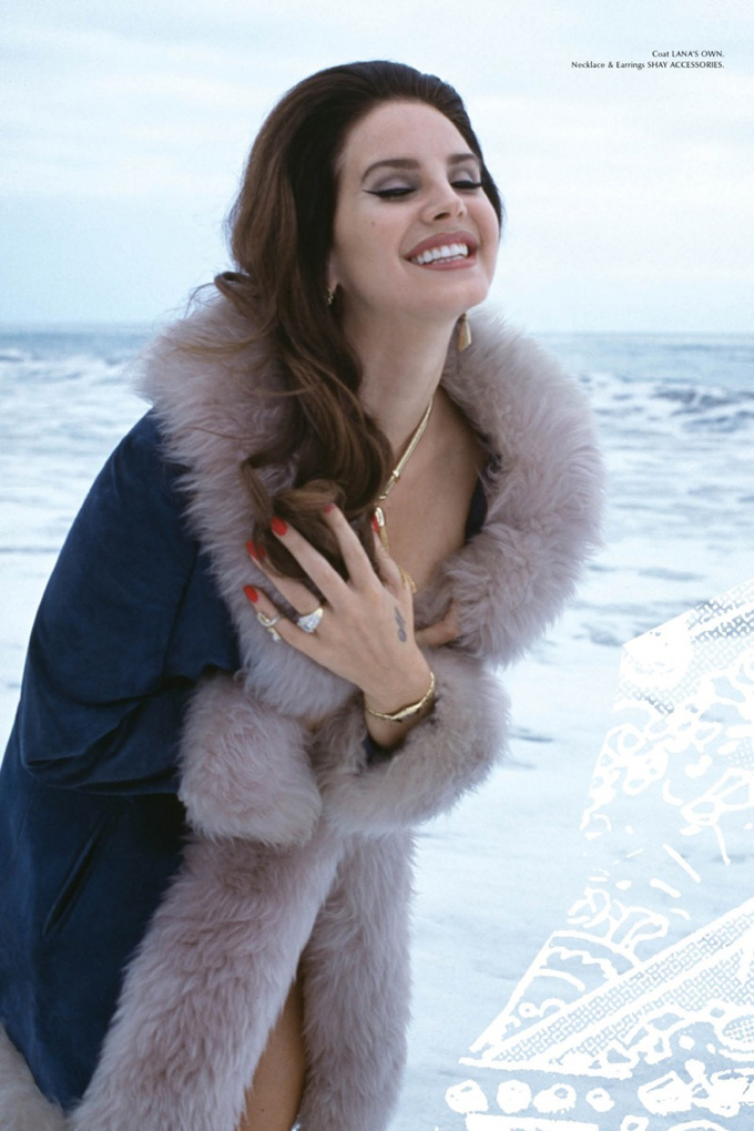 lana-del-rey-galore-magazine-photos04.jpg