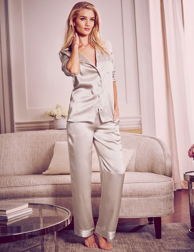 rosie-huntington-whiteley-autograph-pajamas-lingerie-pictures05.jpg