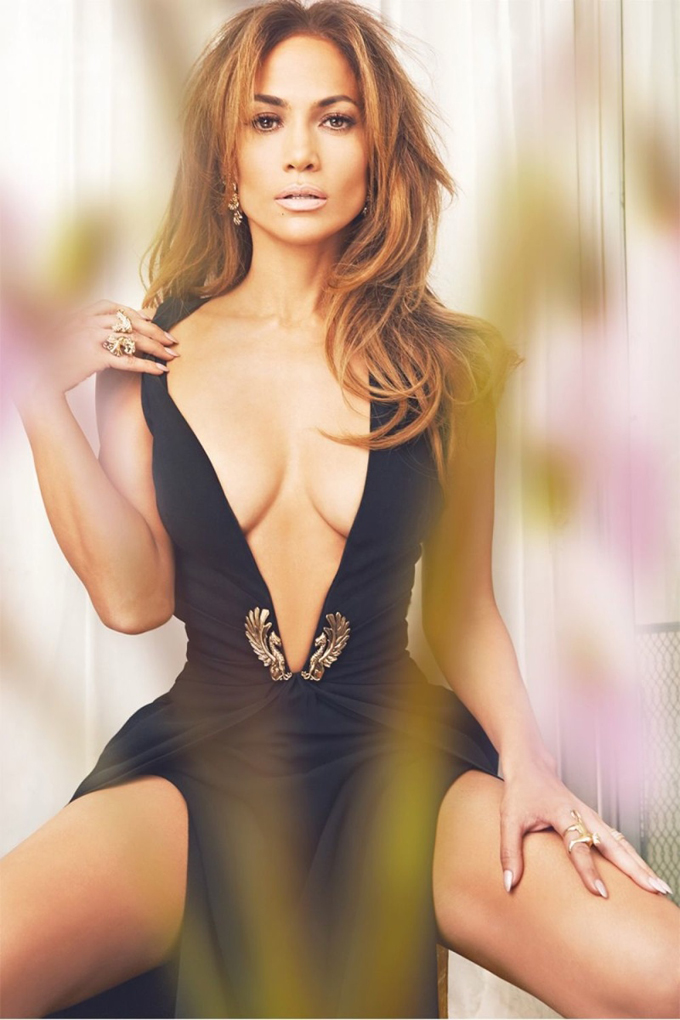 jennifer-lopez-complex-february-2015-photos02.jpg