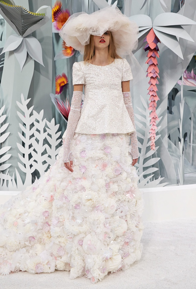 chanel-haute-couture-spring-2015-runway-show16.jpg
