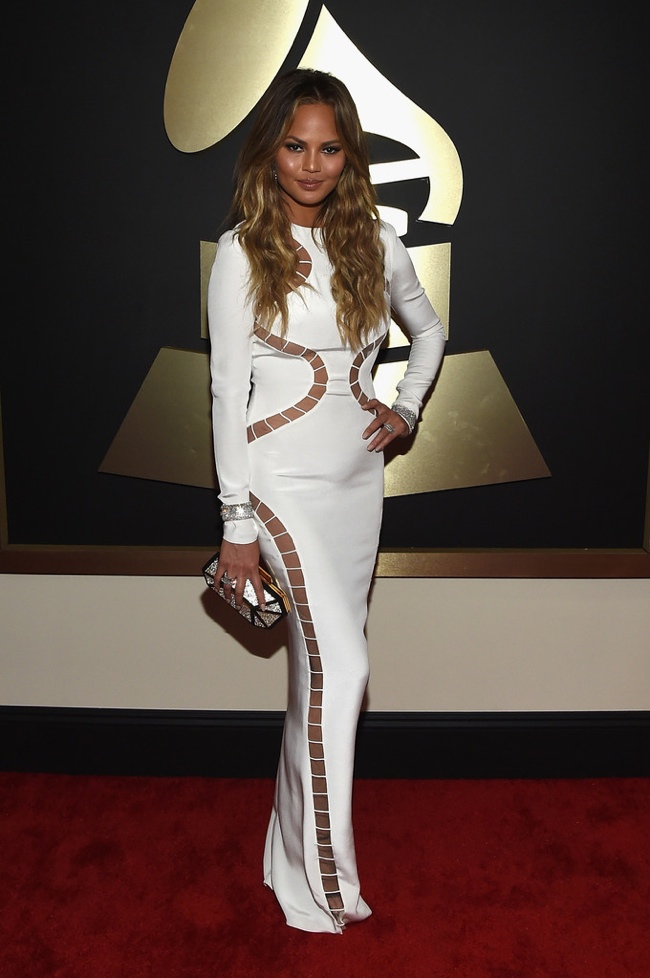 chrissy-teigen-emilio-pucci-white-dress-grammys-2015.jpg