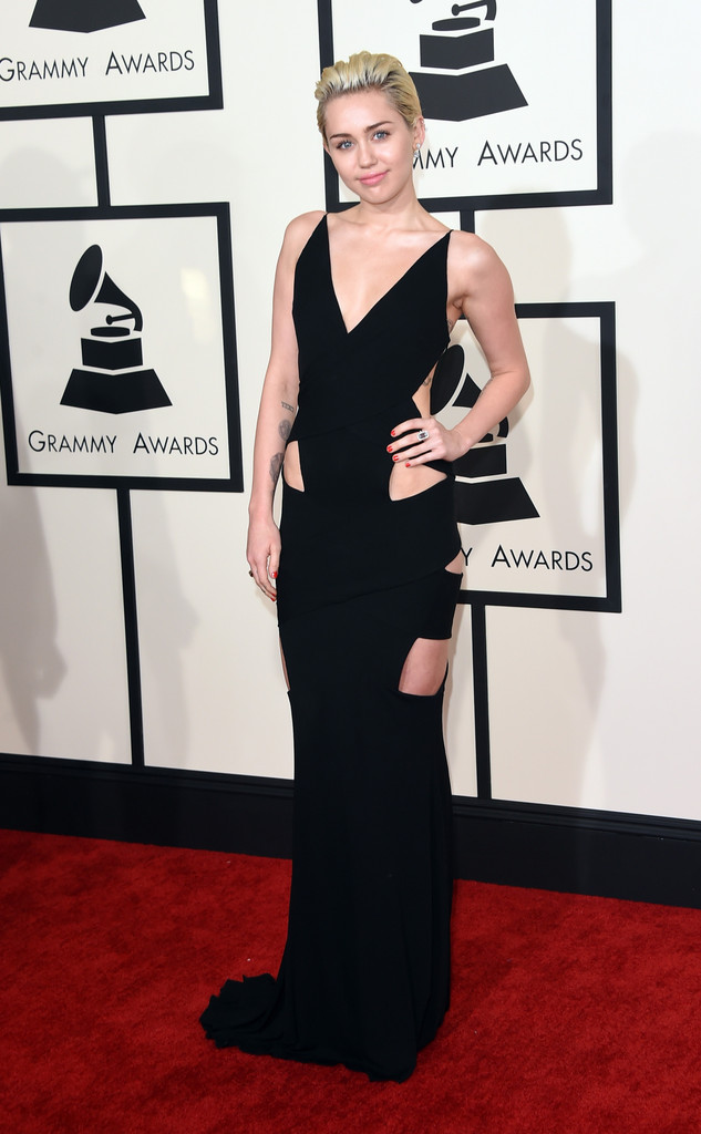 miley-cyrus-alexandre-vauhtier-dress-grammys-2015.jpg