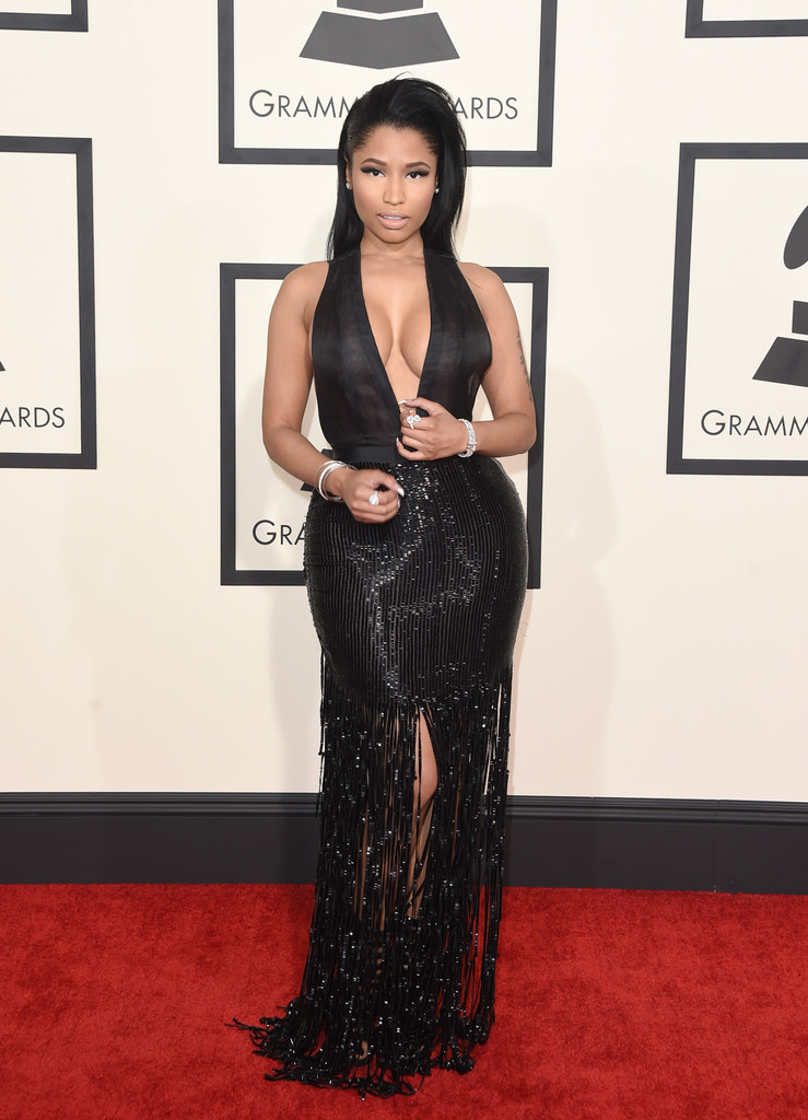 nicki-minaj-tom-ford-black-dress-grammys-2015.jpg