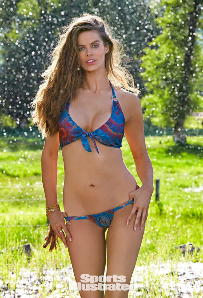 robyn-lawley-sports-illustrated-swimsuit-issue-2015-photos06.jpg