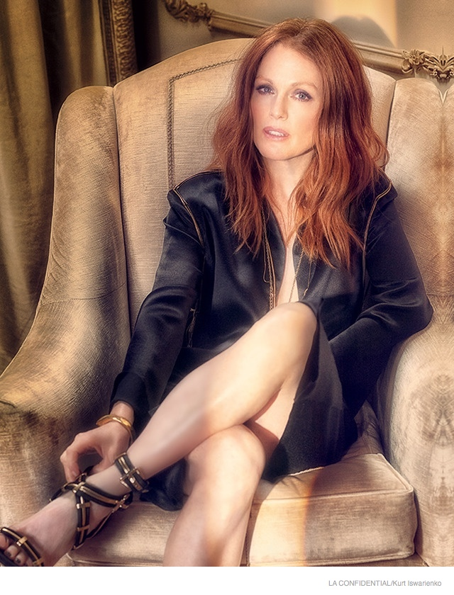 julianne-moore-sexy-fashion-shoot01.jpg