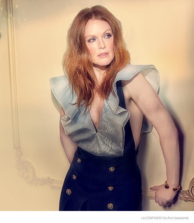 julianne-moore-sexy-fashion-shoot02.jpg