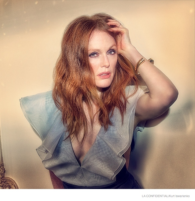 julianne-moore-sexy-fashion-shoot04.jpg