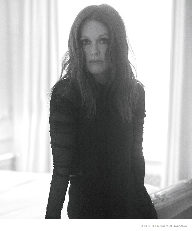 julianne-moore-sexy-fashion-shoot06.jpg