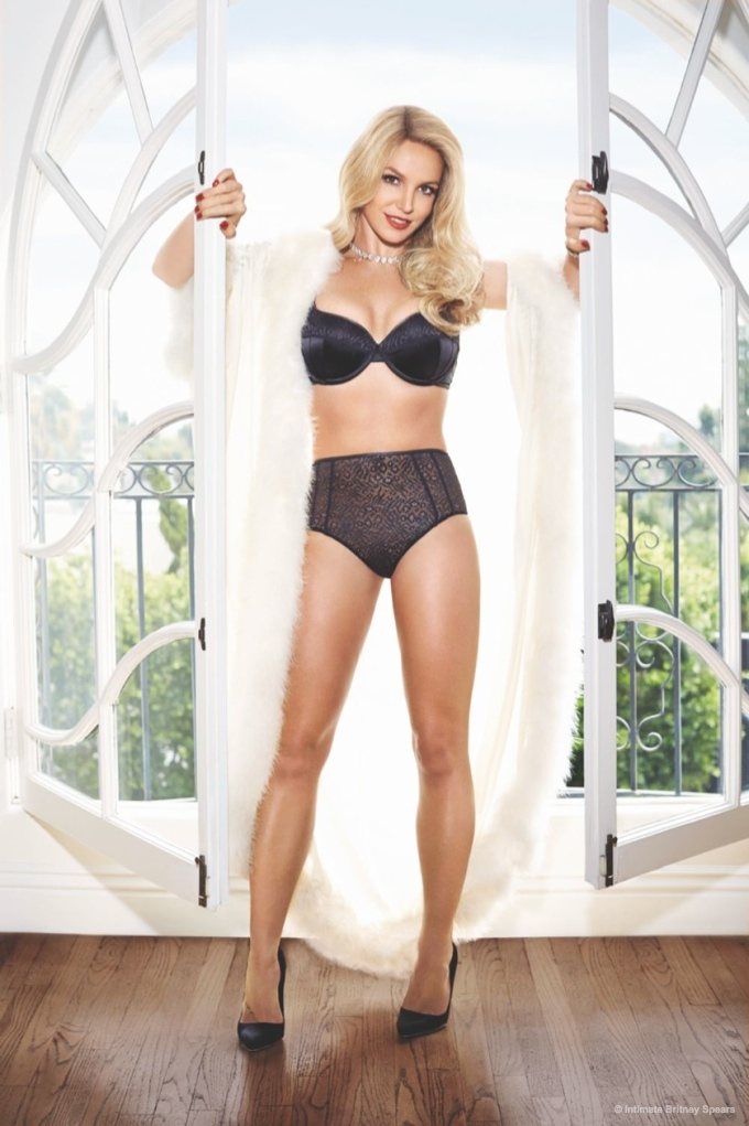 britney-spears-lingerie-swimsuit-intimate-collection03.jpg