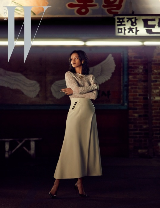 rihanna-dior-fashion-shoot-w-korea01.jpg