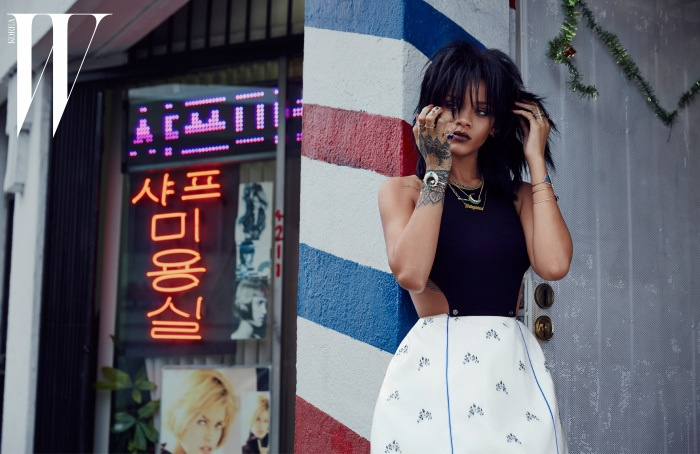 rihanna-dior-fashion-shoot-w-korea06.jpg