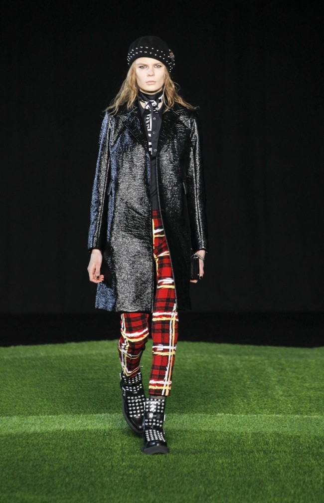 marc-by-marc-jacobs-2015-fall-winter-runway-show16.jpg
