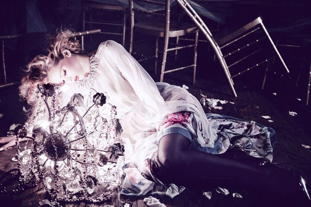 Abbey-Lee-Ellen-von-Unwerth-Vs-Magazine-05-620x413.jpg
