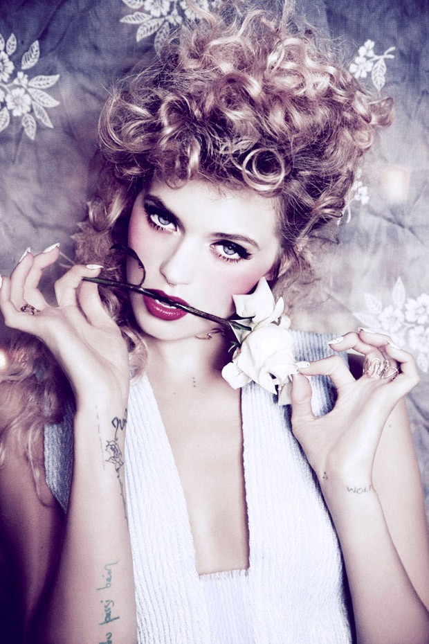 Abbey-Lee-Ellen-von-Unwerth-Vs-Magazine-09-620x930.jpg