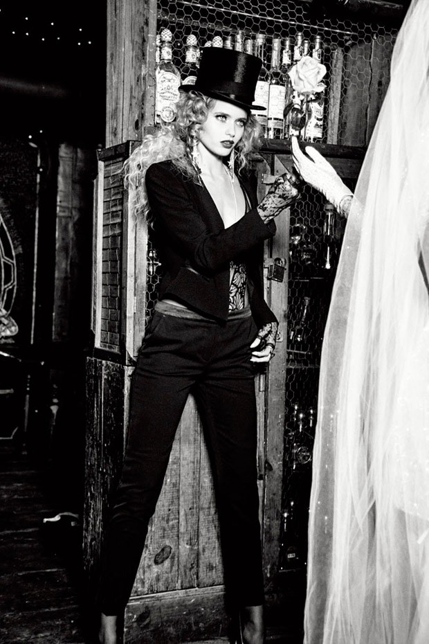 Abbey-Lee-Ellen-von-Unwerth-Vs-Magazine-10-620x930.jpg
