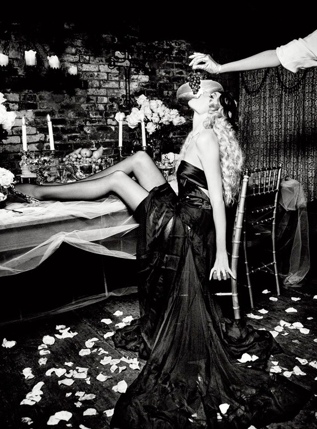 Abbey-Lee-Ellen-von-Unwerth-Vs-Magazine-12-620x838.jpg