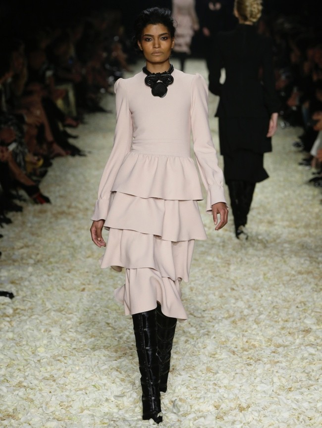 tom-ford-2015-fall-winter-runway-photos09.jpg