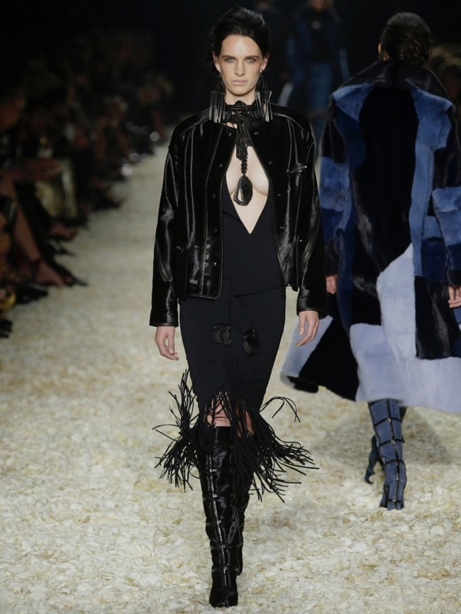 tom-ford-2015-fall-winter-runway-photos12.jpg