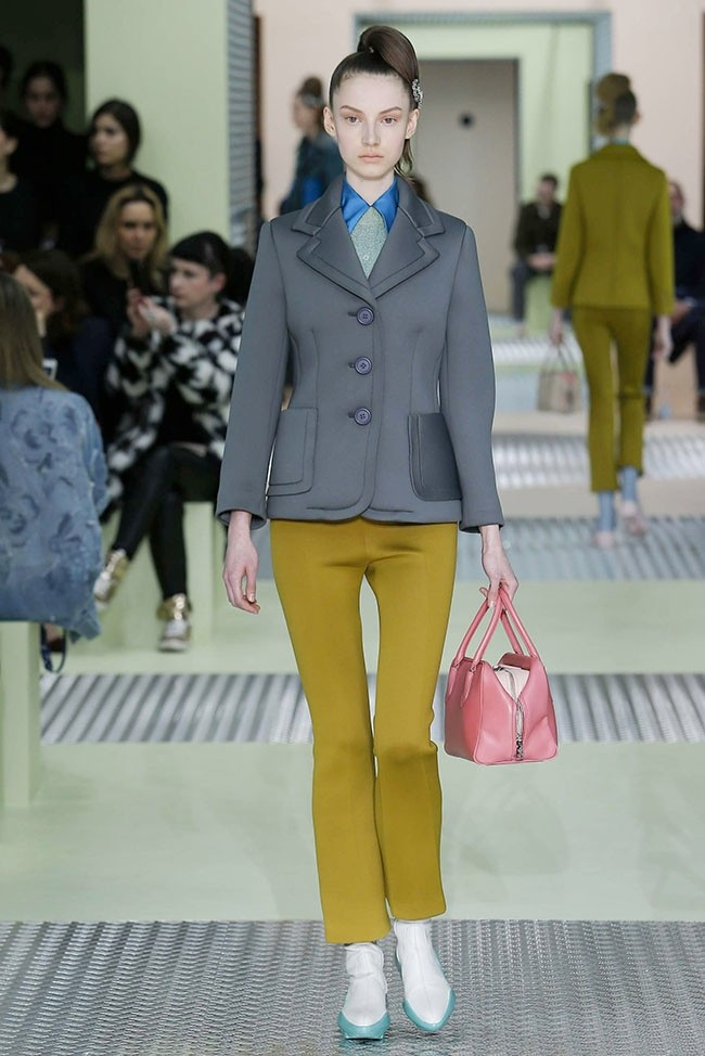 prada-fall-winter-2015-runway03.jpg