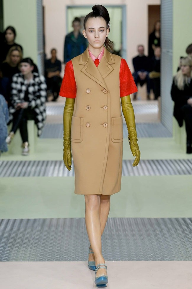 prada-fall-winter-2015-runway05.jpg