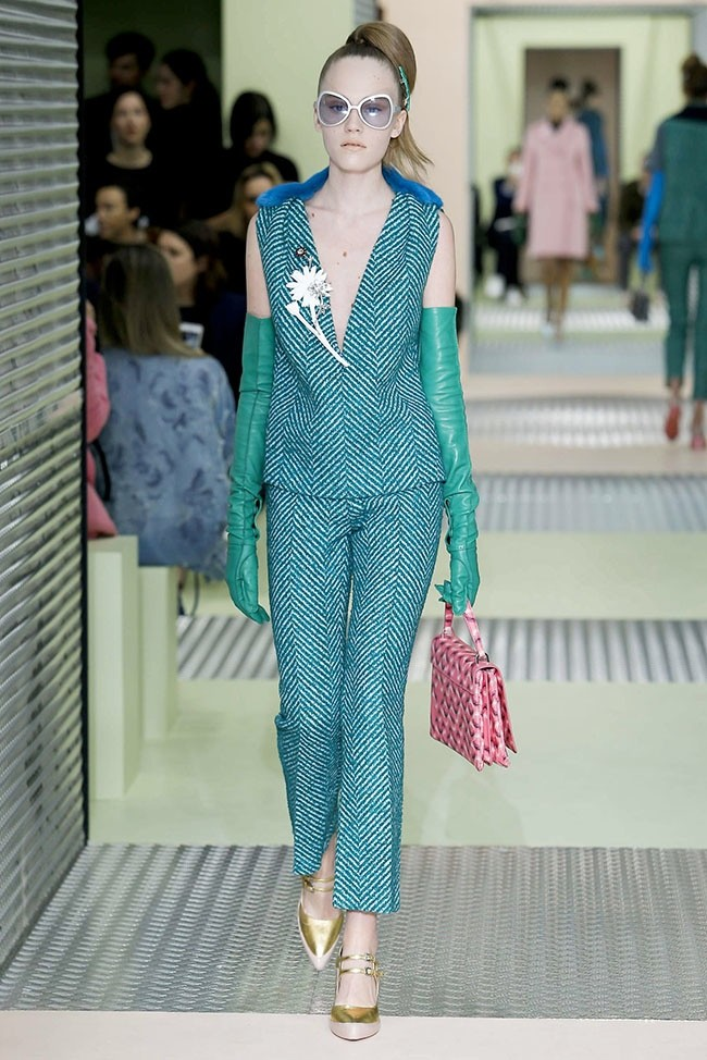 prada-fall-winter-2015-runway11.jpg