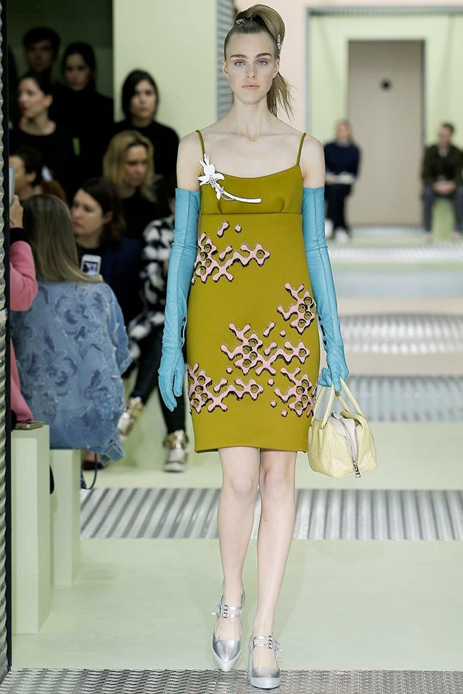 prada-fall-winter-2015-runway14.jpg
