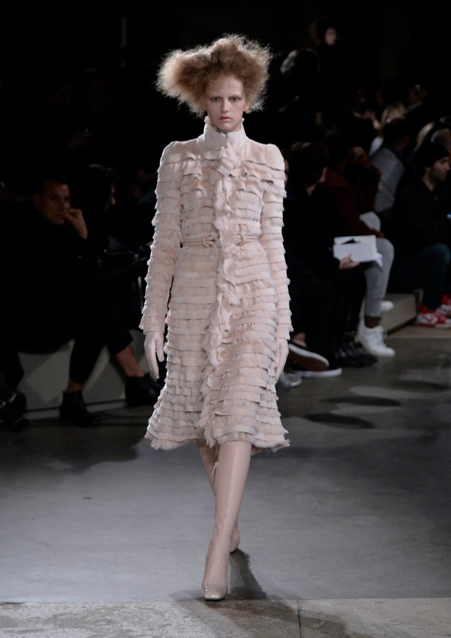 alexander-mcqueen-fall-winter-2015-runway14.jpg