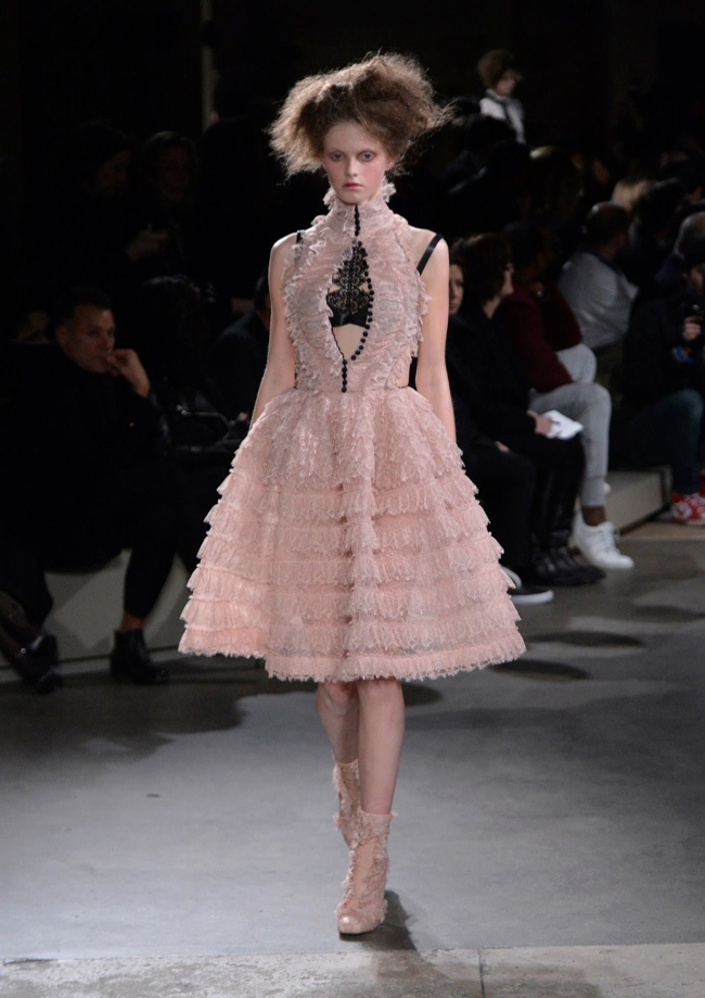 alexander-mcqueen-fall-winter-2015-runway27.jpg