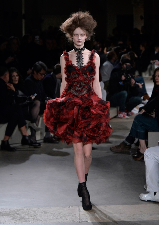 alexander-mcqueen-fall-winter-2015-runway29.jpg