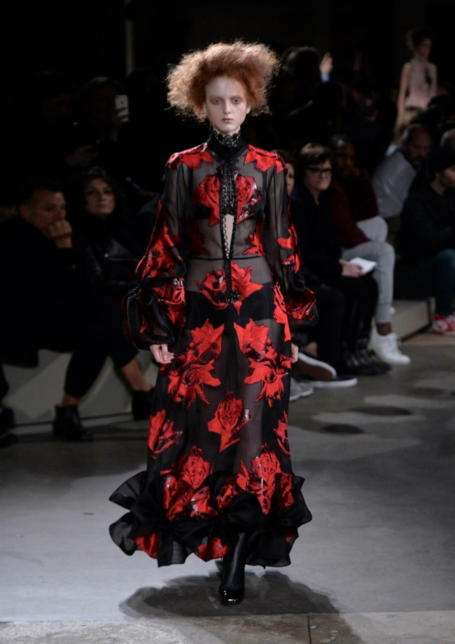 alexander-mcqueen-fall-winter-2015-runway31.jpg
