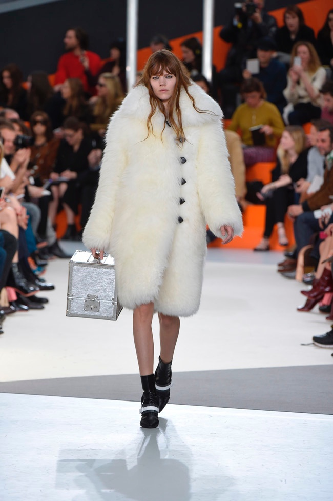louis-vuitton-fall-winter-2015-runway01.jpg
