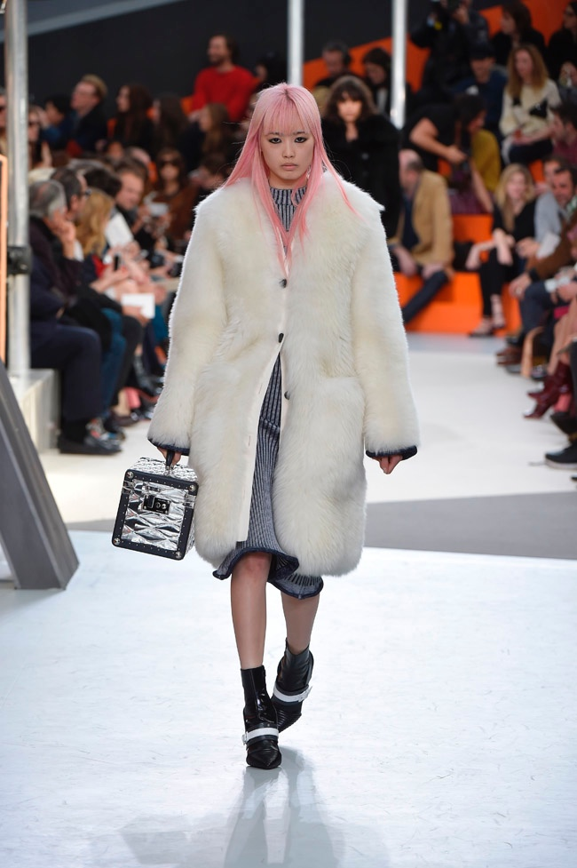louis-vuitton-fall-winter-2015-runway03.jpg