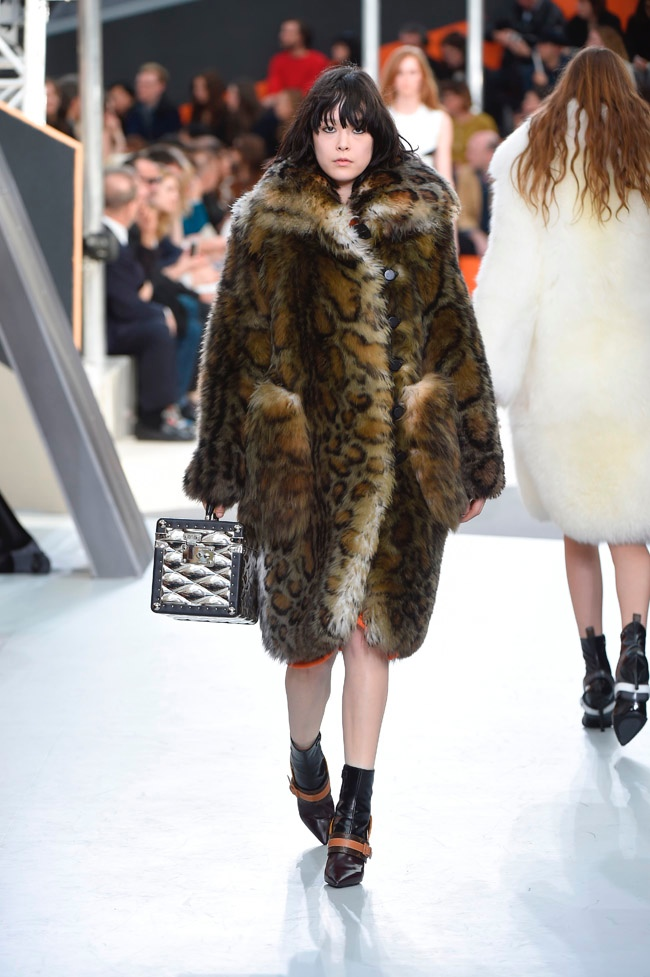 louis-vuitton-fall-winter-2015-runway07.jpg